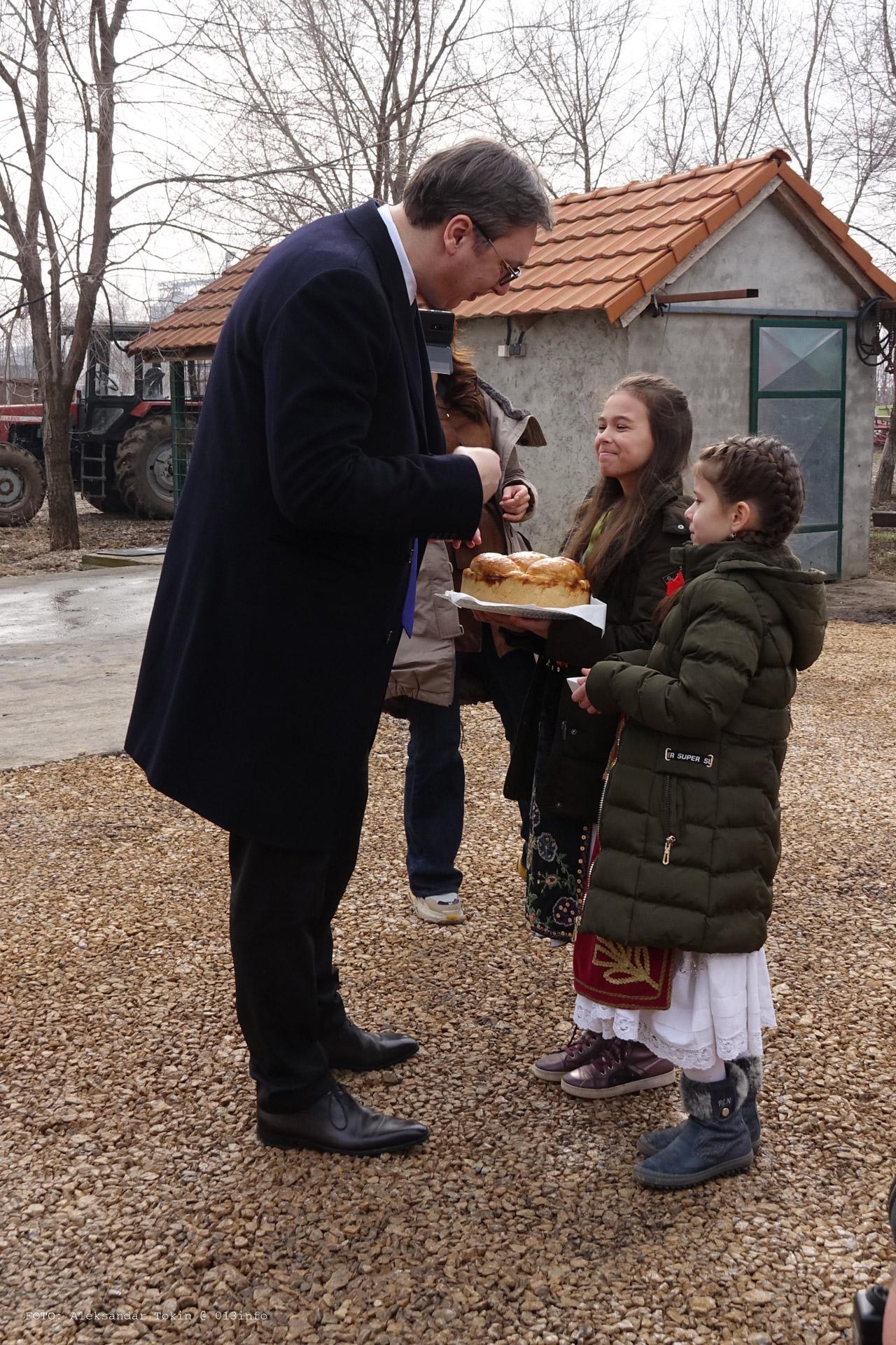 Vučić u Banatskom Novom Selu