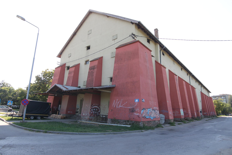 Crveni magacin