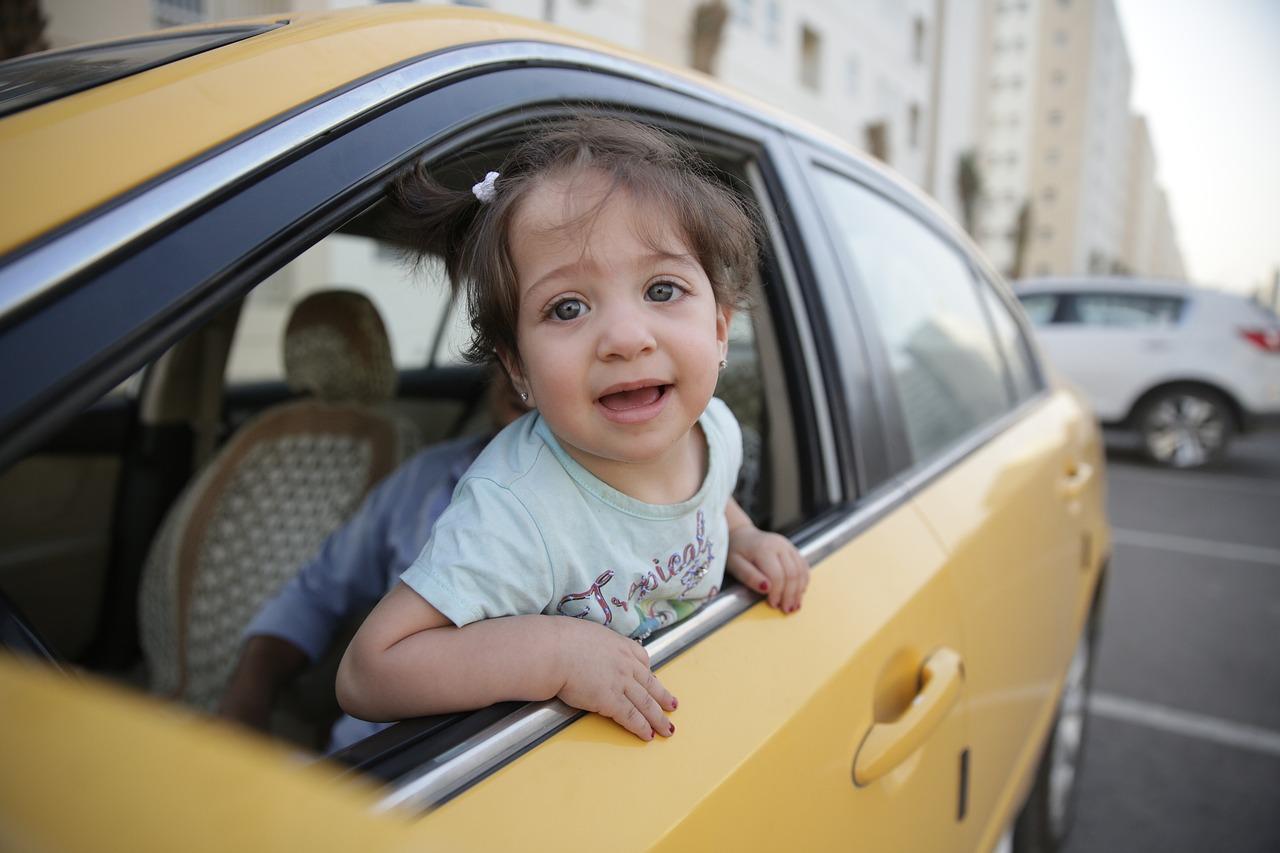 Dete u autombilu