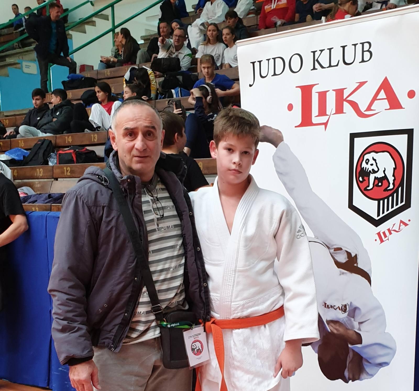 Novaković, akademija Jočić