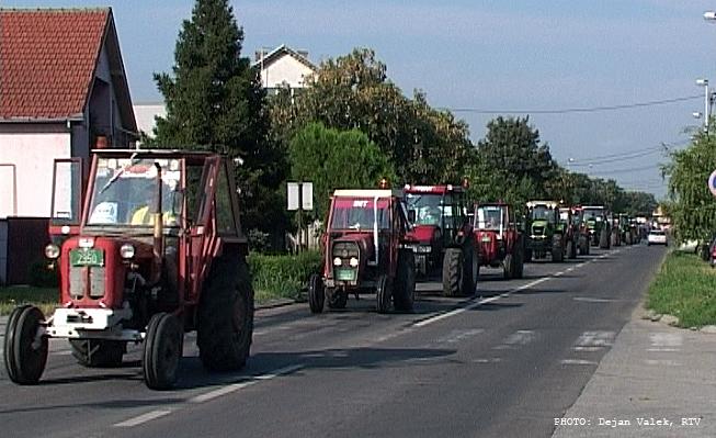 traktori na ulici