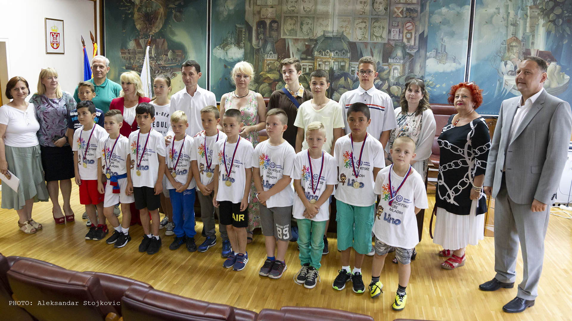 Učenici škola Isidora Sekulić Pančevo i Dositej Obradović Omoljica u Gradskoj upravi
