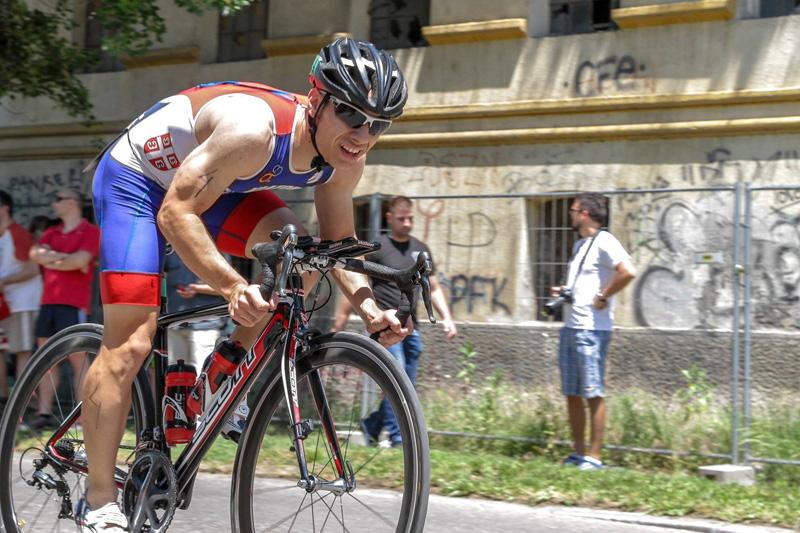 Danilo Jovanović na biciklu