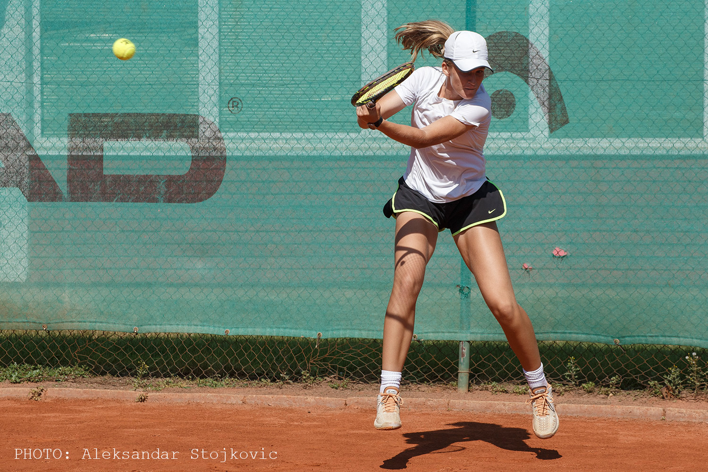 Lea Bošković na teniskom turniru u Pančevu