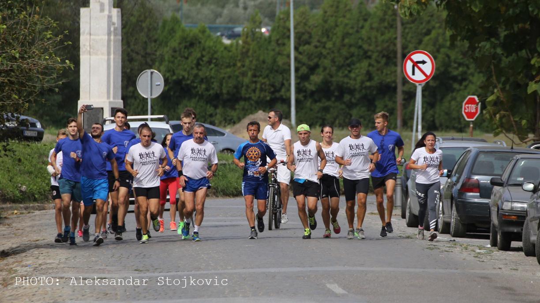 Goran Nikolic maratonac paraolimpijac u Pancevu pokusaj obaranja Ginisovog rekorda