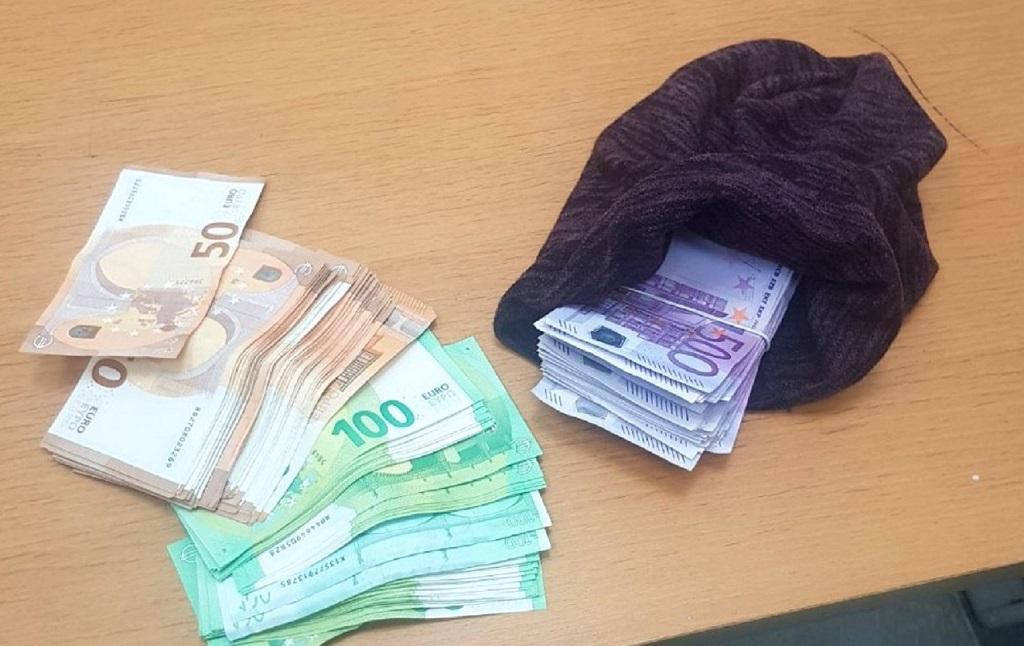 Novac u kapi