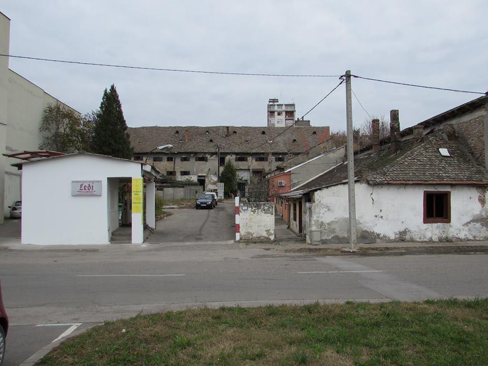 Zgrada koju je zahvatio požar, Mučenička ulica, Pančevo