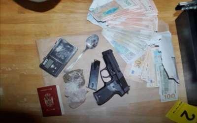 Pištolji i novac