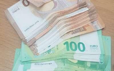 Novac u farmerkama
