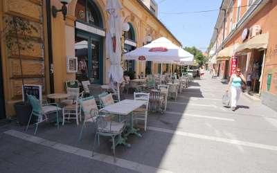Vrućina je ispraznila bašte kafića u Panćevu