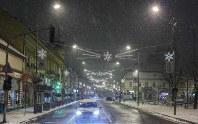 Pančevo, Ulica Radomira Putnika noću po snegu