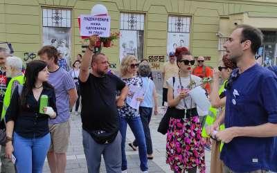 Protest zbog sečenja platana