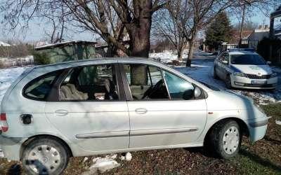 Automobil razbijena stakla