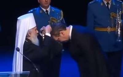 Vučić dobija orden